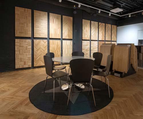 vårt showroom där vi visar olika golv vi kan lägga